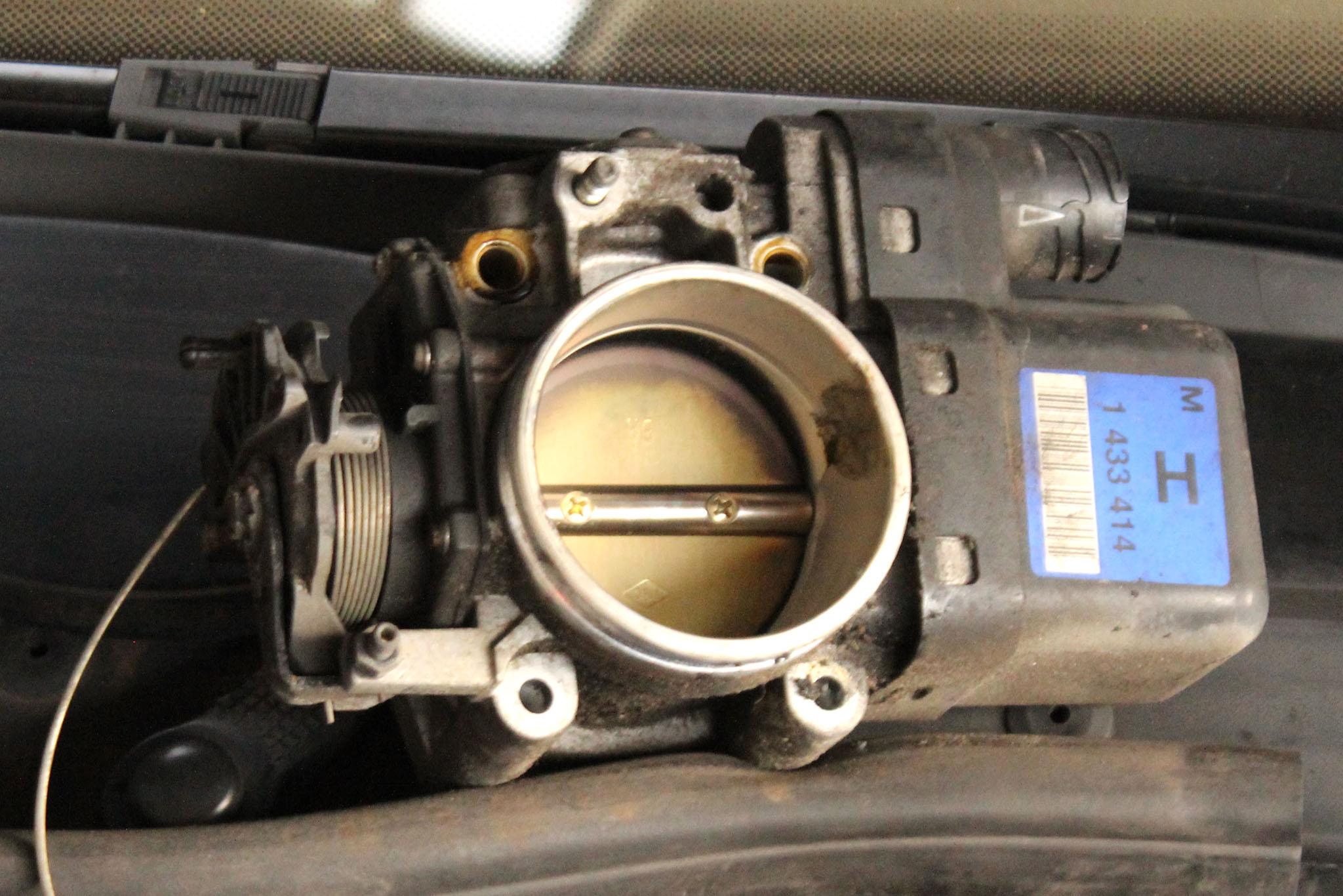 pedał gaz BMW
