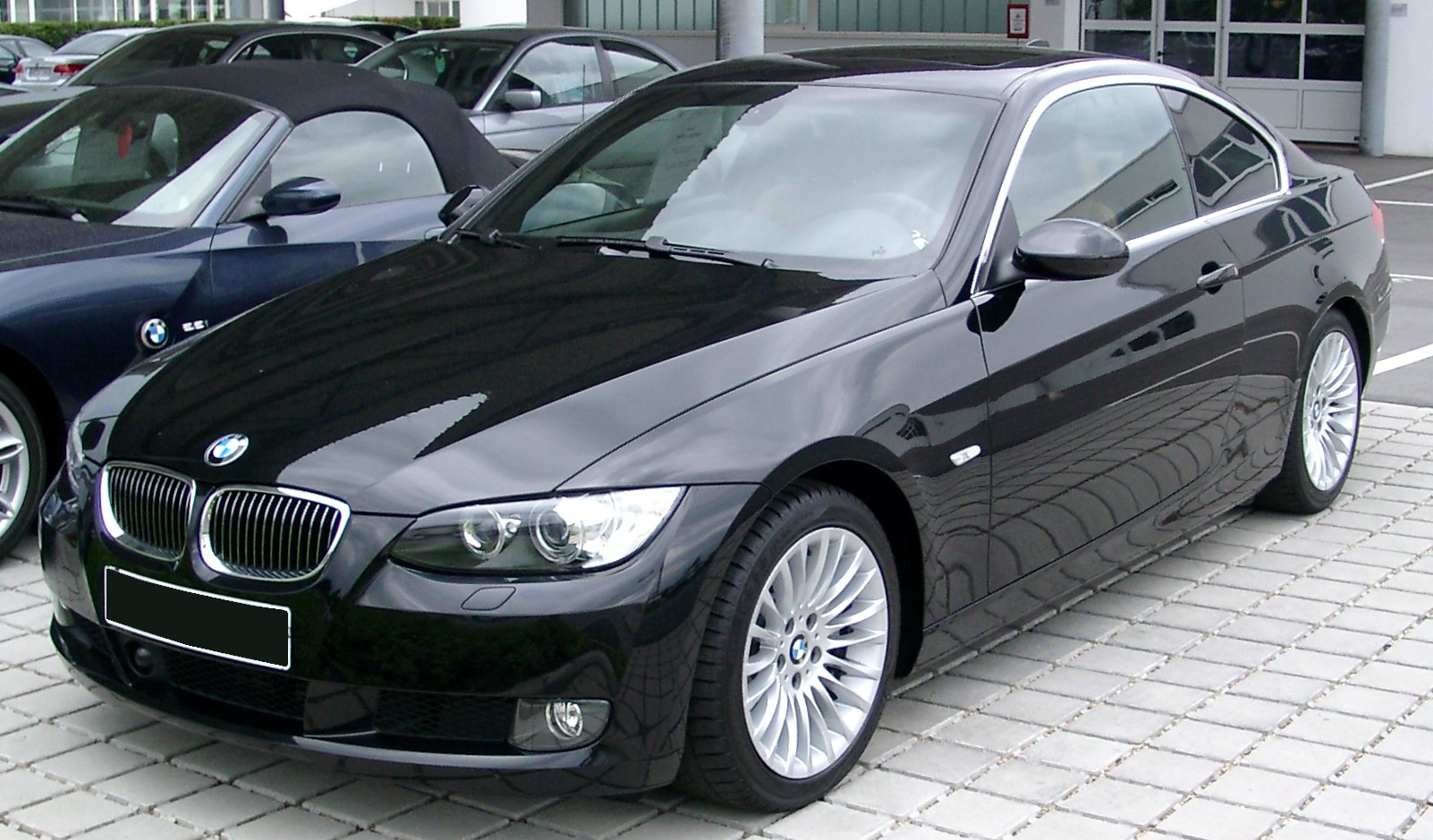 BMW_E90_Coupe_front_20080524 (1)