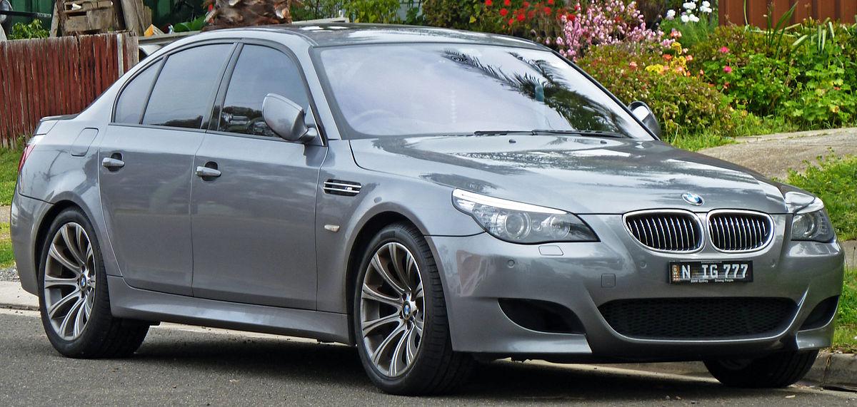 Trzeszcząca kierownica BMW