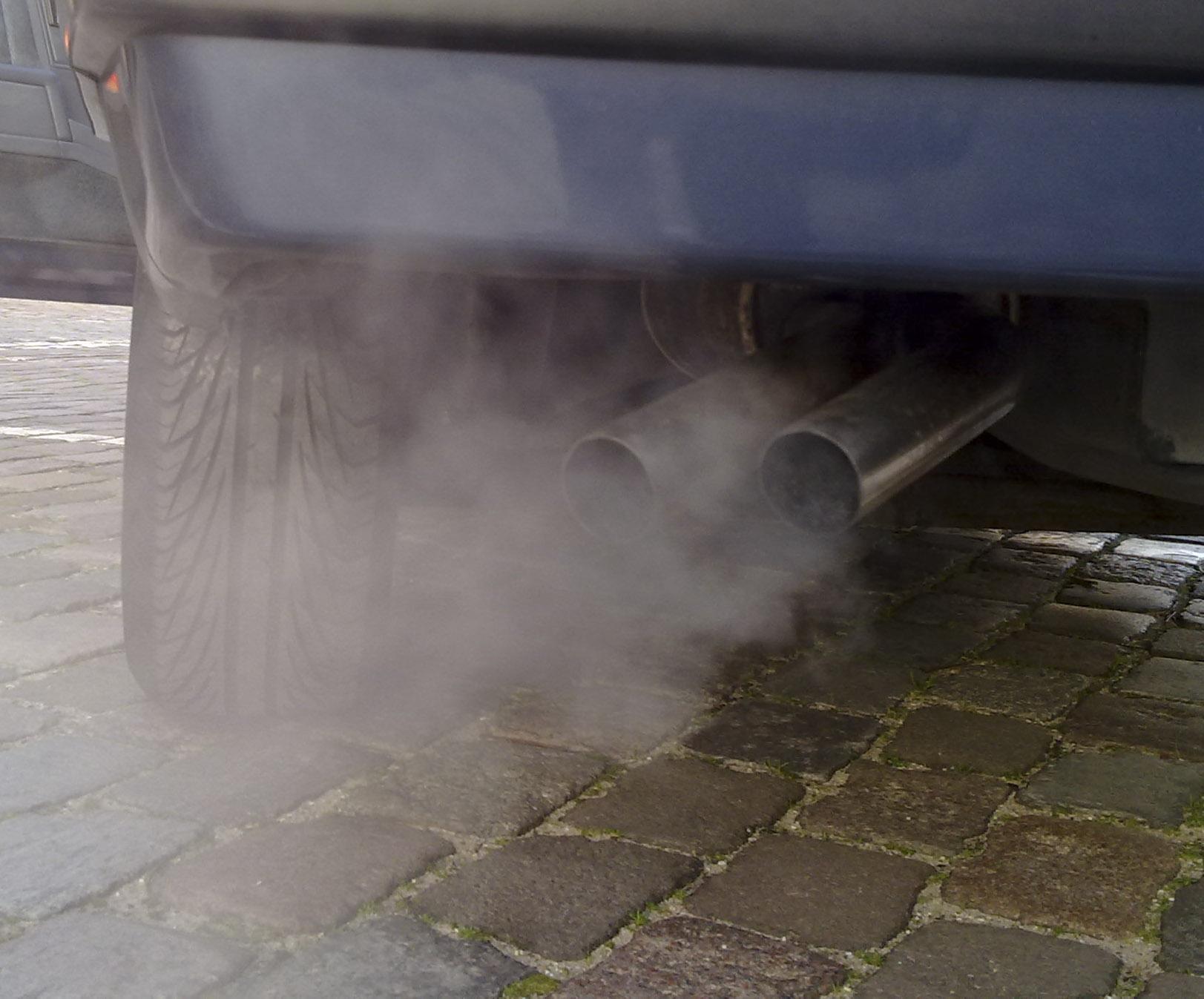 czarny dym diesel