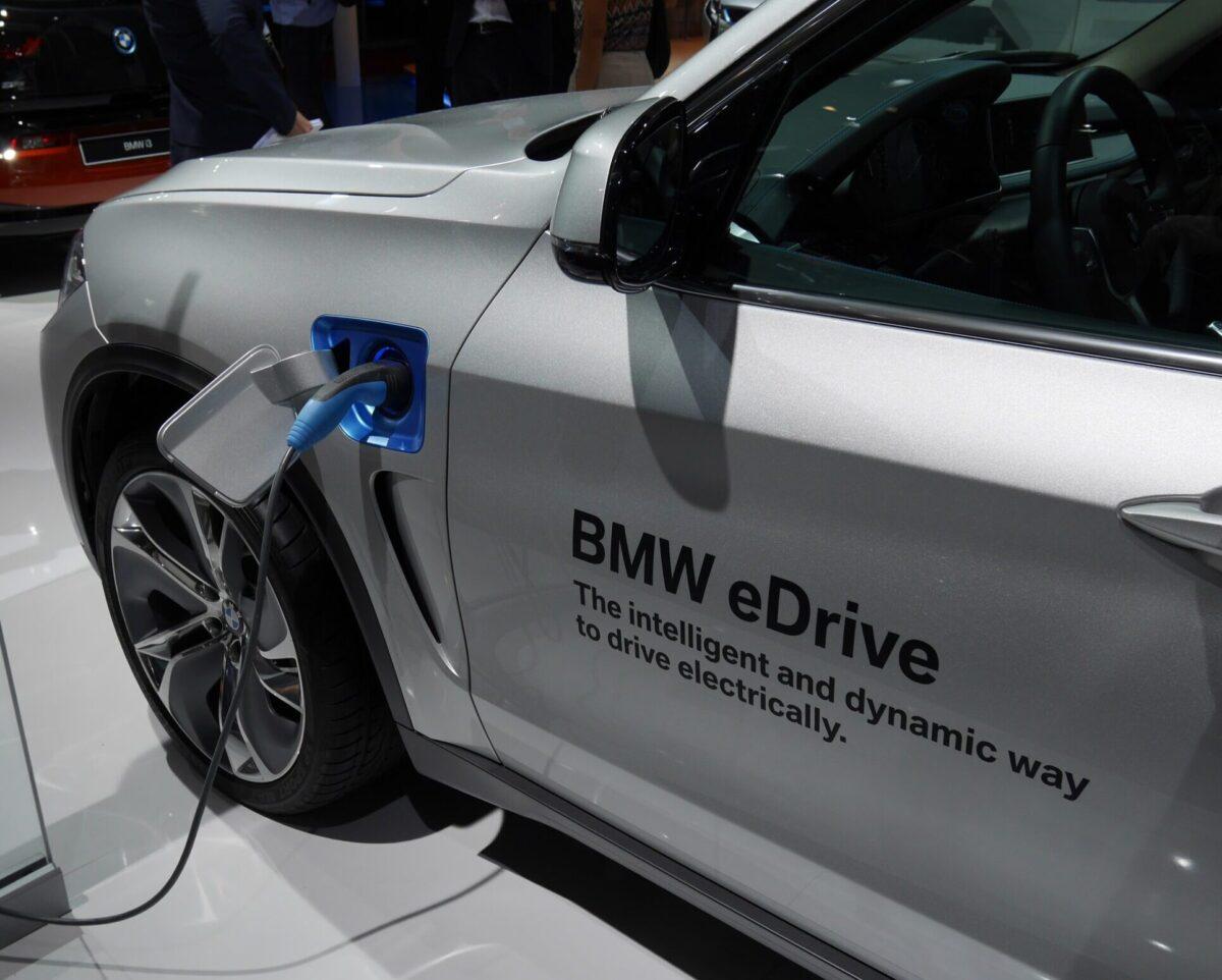 BMW X5 hybryda plug in
